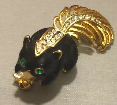 Adorable Vintage Skunk Brooch In Black Enamel On Gold Tone Metal With Crystals