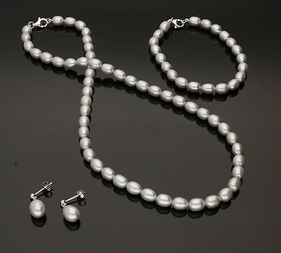 Cultured Pearl Necklace, Bracelet & Earring Set Natural Silver / Grey Colour.