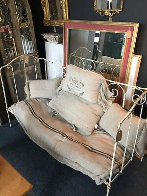 Victorian Metal Day Bed And Cushions