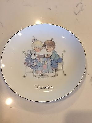 "1983 Precious Moments Enesco ""november"" Plate 6 1/2 Inches Round Gold Rim Border"