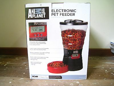 BRAND NEW Animal Planet programmable electronic pet feeder for cats and dogs