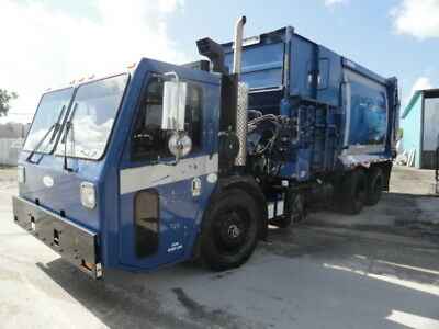2010 CCC 27 YD Wayne Curbtender Side Loader Garbage Trash Refuse Truck