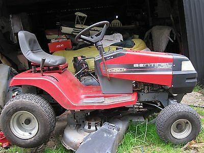 MURRAY SENTINEL 125  96   13.5 hp B&S ride on lawn mower