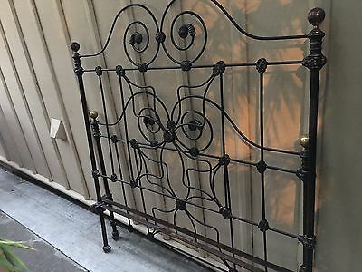 BEAUTIFUL ANTIQUE IRON QUEEN BED circa 1900 FRAME HEAD/FOOT/RAILS