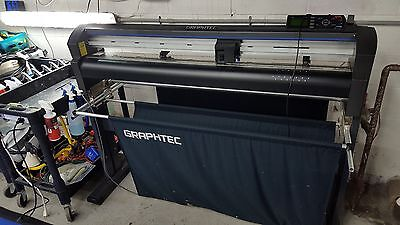 "GRAPHTEC FC8600-100, 42"" Vinyl Cutter Plotter w/ stand, dust cover, media basket"