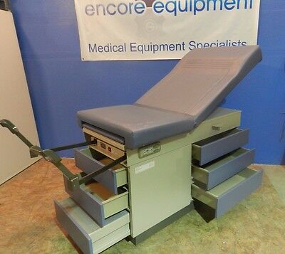 Midmark Model 104 Exam Table