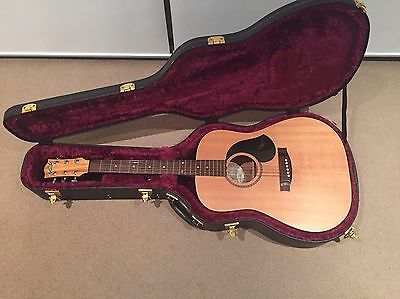 Maton M225 Acoustic Guitar with Maton Hard Case