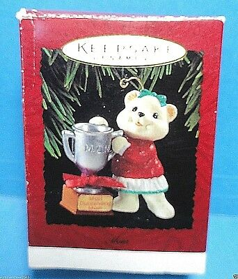 "Hallmark ""Mom"" Ornament 1994"