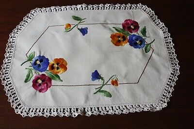 VINTAGE LARGE DOILY Cream Linen, Embroidered & Crocheted 47x36cm #7