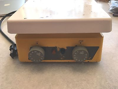 """Thermolyne Cimarec 2 Hot Plate Magnetic Stirrer 7"""" x 7"""" SP46925 working"""