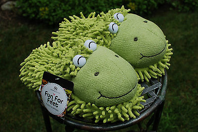 New Aroma Home Fuzzy Friends Slippers Frogs Fun For Feet fits uo to 9 1/2 NWT