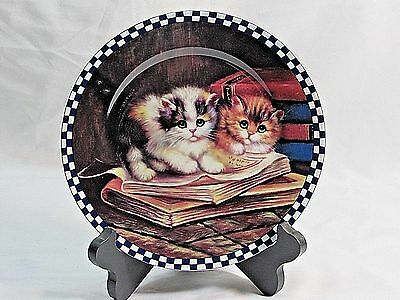 "8"" Collectors Plate with Cute Kittens Lying on Books"