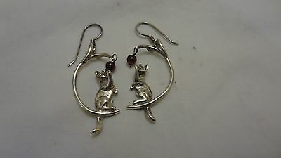 Vintage Sterling Silver 925 Pierced Cat Playing Ball Earrings ESTATE FIND DETAIL