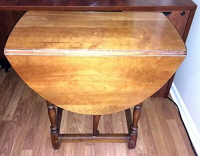 GREAT L.& J.G. STICKLEY Table Early American Drop Leaf Coffee FAYETTEVILLE NY