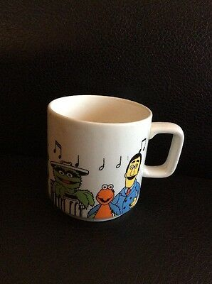 Vintage 1981 Sesame Street Ceramic Pottery Mug Made In New Zealand