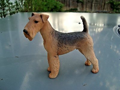 North Light WADE Resin Figurine ~ Airedale Terrier PREMIER DOG COLLECTION