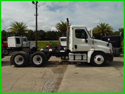 2009 Freightliner Cascadia White Used DS