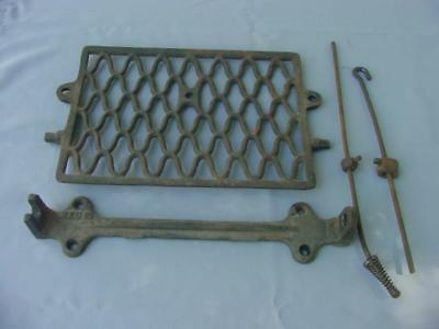 Singer Treadle Part - Cast Iron Pedal with Connecting Rods  - Vintage