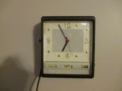 Vintage LUX Electric Date Minder Wall Clock - Running