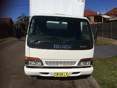 Isuzu Npr 200 Medium