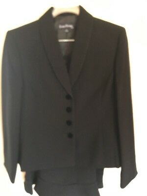 Evan Picone Suit Set.  Skirt And Jacket.  Black Woman Size 14