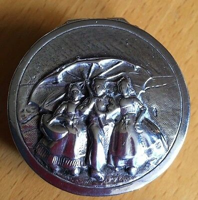 Beautiful Solid Silver Repousse Pill/Snuff Box