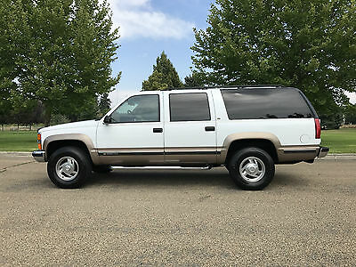 1995 Chevrolet Suburban K2500 1995 CHEVROLET SUBURBAN LT 4X4 7.4L 454 V/8 WITH ONLY 87.000 ACTUAL MILES
