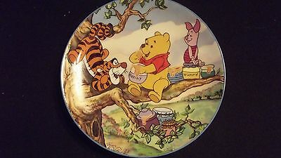 Winnie the Pooh: A Honey of a Friend FRIENDSHIP IS AS SWEET AS HONEY Plate #1