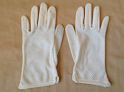 Kayser Vintage Ivory Creme Perforated Nylon Ladies Gloves MADE IN USA