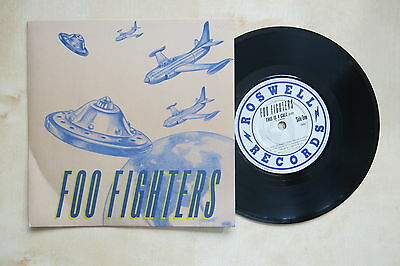 "FOO FIGHTERS This Is A Call UK 7"" in picture sleeve Roswell Records 1995"