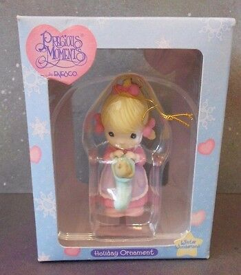 """Winter Wonderland"" Vintage Precious Moments Holiday Ornament Enesco 1997 in box"