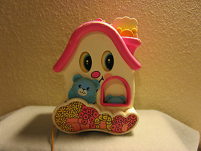 VTG Tomy Musical Crib pull string toy w/moving eyes & bears Plays lullaby (S1/73