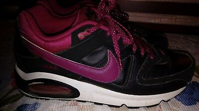 Nike Air Max  size 7 youth girls athletic shoes black purple