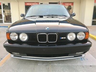 1993 BMW M5  1993 Rare and Clean BMW M5
