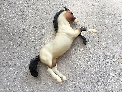 Retired Breyer Classic Horse Rearing Stallion Mustang #736 Red Bay Roan