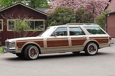 1978 Chrysler Town & Country  1978 Chrysler Town & Country LeBaron Station Wagon WOODY 360 4bbl EXCELLENT+++