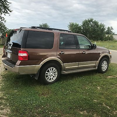 2011 Ford Expedition XLT Ford Expedition 2011, 69,200 miles, clear Michigan title