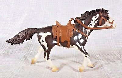 2005 Schleich Brown and White Paint Horse with Bridle and Saddle
