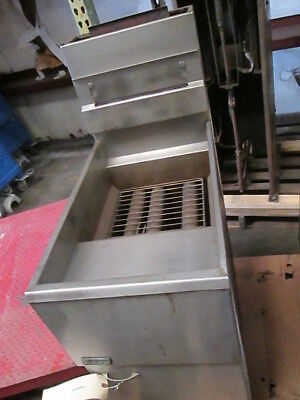 Pitco Frialator Single Vat Commercial Gas Burner Deep Fryer 2 Basket Fried Food