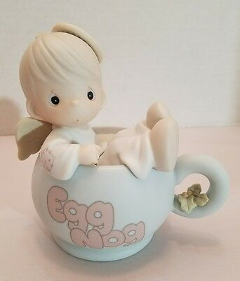 1994 Precious Moments figurine DROPPING IN FOR THE HOLIDAY #531952 Angel Egg Nog
