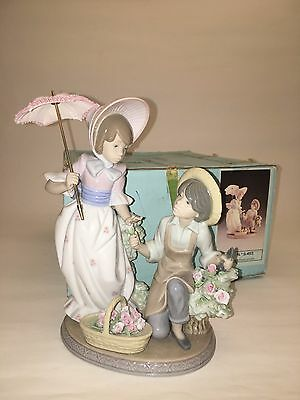 "Lladro ""For You"" #5453 Figurine with original box"