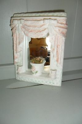 Gorgeous Small Shabby Chic Mirror - Very good condition.