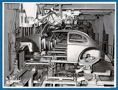 vintage photo Volkswagen Beetle car factory auto VW Kaefer Wolfsburg Foto c 1955