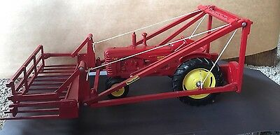 Massey Harris M.H.-44 Scale Model Tractor