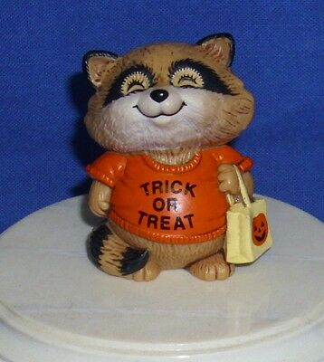 Hallmark Halloween Merry Miniatures Shirt Tales 1983 Trick or Treating Raccoon