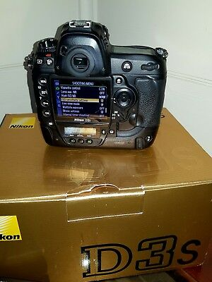 Nikon D3s 12.1 MP Digital SLR Camera - Black (Body Only) Latest Firmware