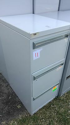 Metal filing cabinet with three drawers in great condition