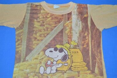 vtg 70s SNOOPY PEANUTS PLAYING BANJO WOODSTOCK BARN KIDS t-shirt YOUTH SMALL YS