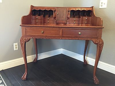 Antique Beautiful Desk In Excellent Condition