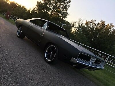 1969 Dodge Charger  1969 Dodge Charger, A4 Silver, 383 HP, 4-speed
